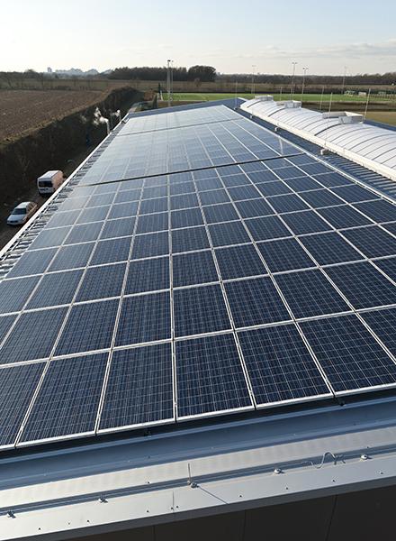 Eine gewaltige Solaranlage zur Erzeugung von regenerativer Energie