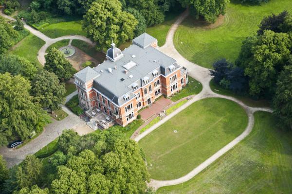 Das Etelser Schloss aus der Luft fotografier