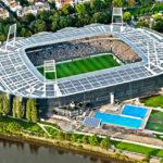 Luftbild des Weserstadions mit vollen Rängen