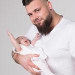 Studioportrait vom Papa und Kind